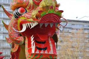 640px-Dragon_-_Chinese_New_Year,_Paris,_2011_n1