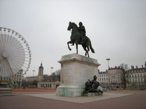 800px-Place_Bellecour_(3071111976)